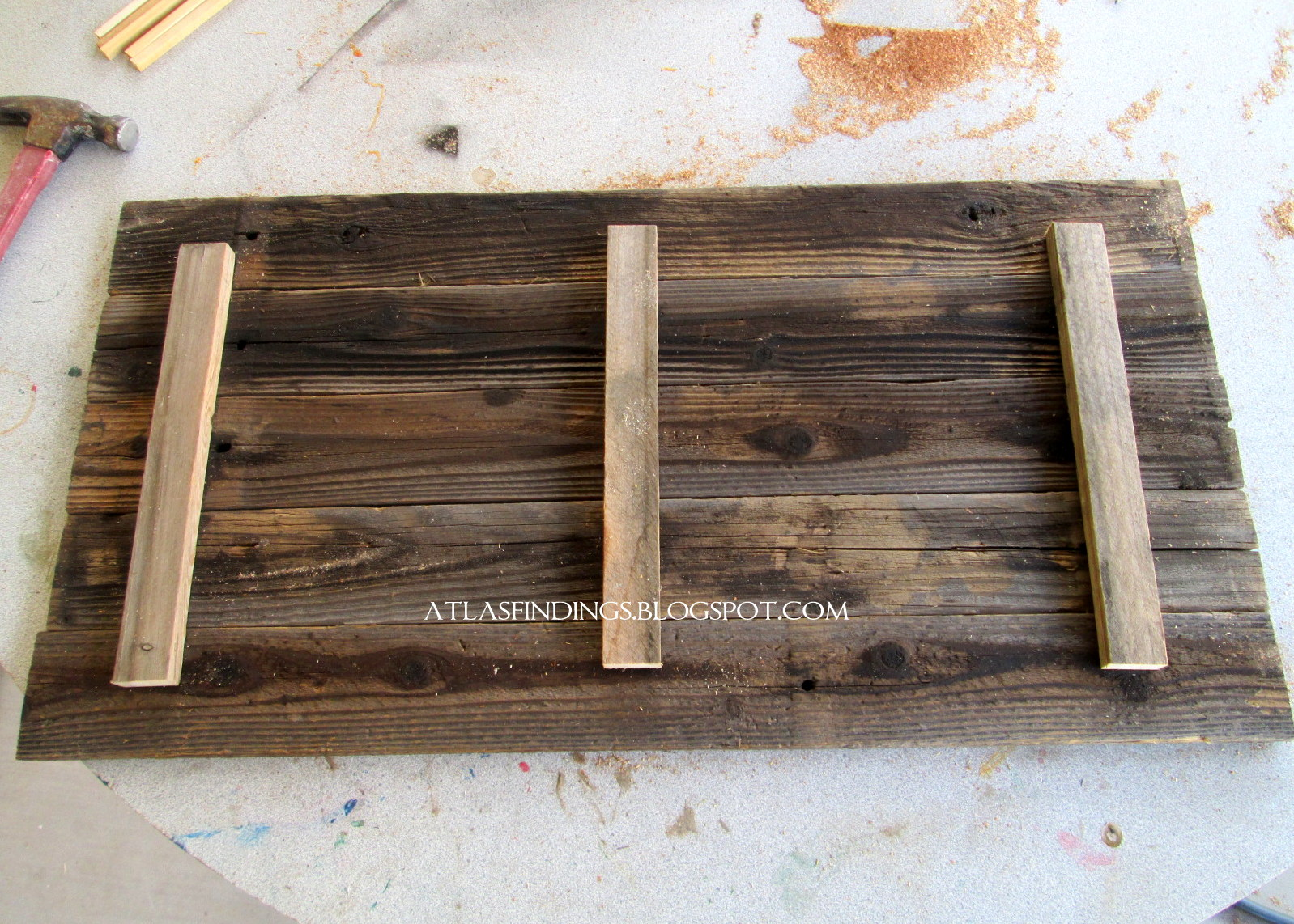 atlas findings recycled fence sign. Black Bedroom Furniture Sets. Home Design Ideas
