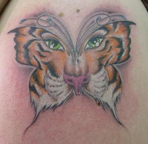 tattoo tigre borboleta
