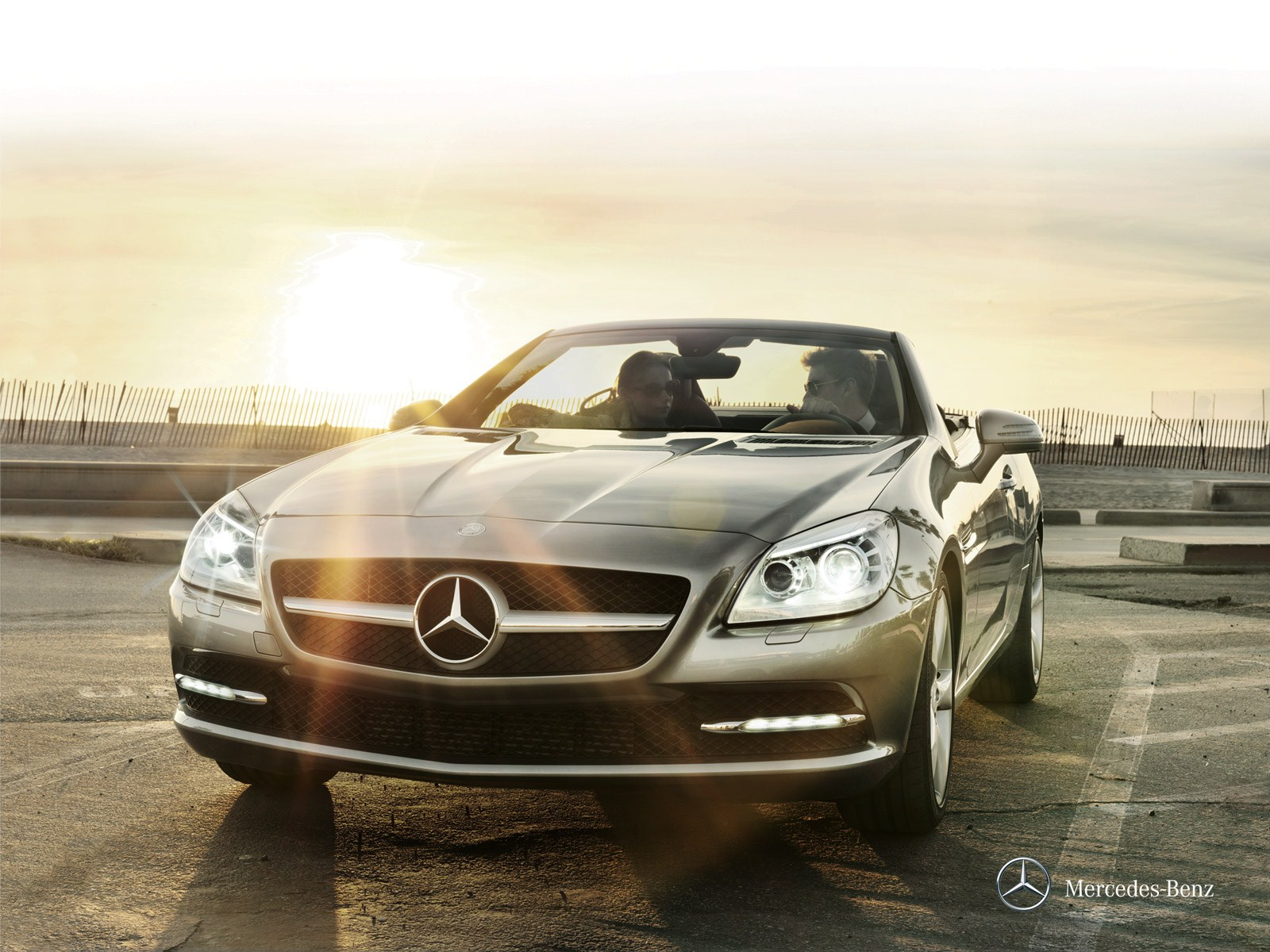 2015 mercedes benz slc class hd pictures. Black Bedroom Furniture Sets. Home Design Ideas