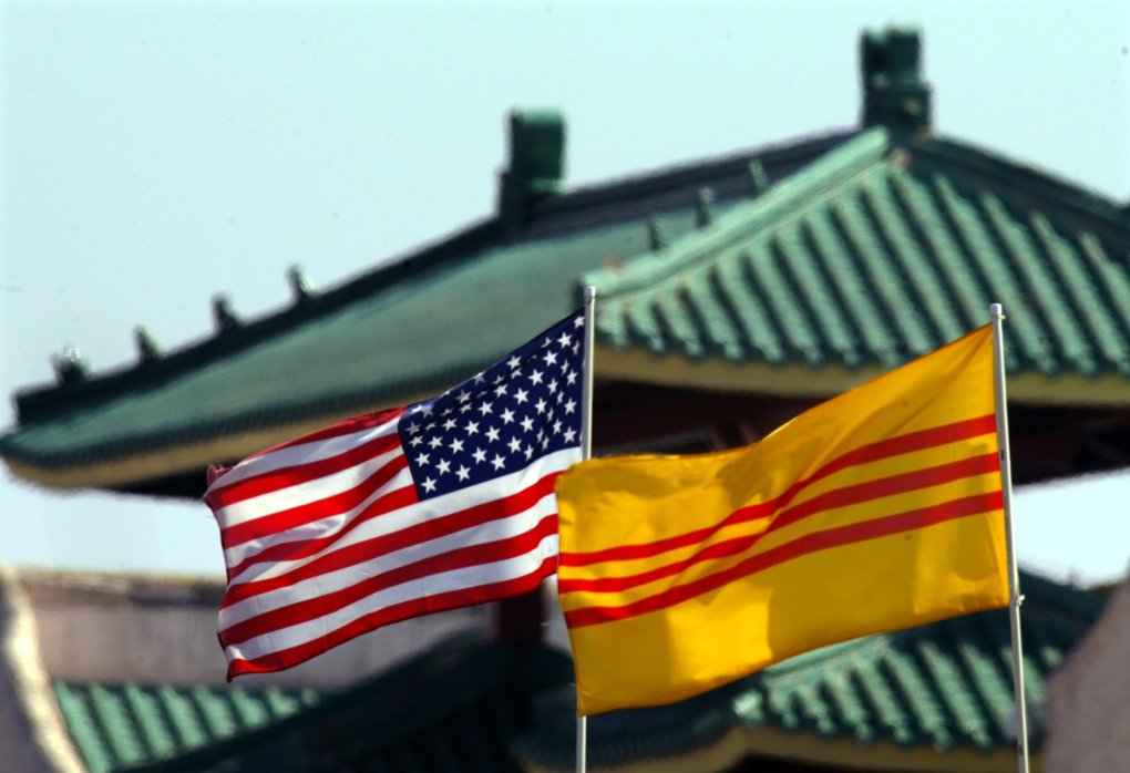 • Recognizing the South Vietnam flag is long overdue - Thanh Tan