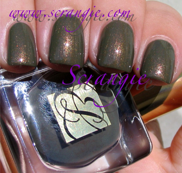 Scrangie: Estee Lauder Metallic Sage Nail Polish Fall 2011