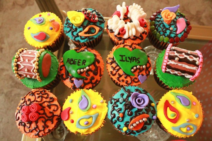 Mehndi Cupcakes : Journal of a foodaholic girl who knows how to make your