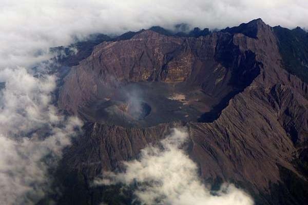Ini Dia 5 Gunung 'Berbahaya' di Indonesia