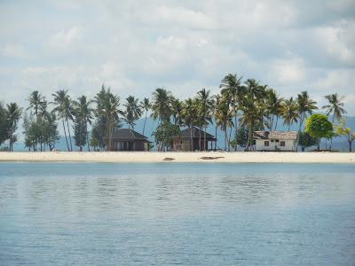 Wisata Pulau Bokori Kendari