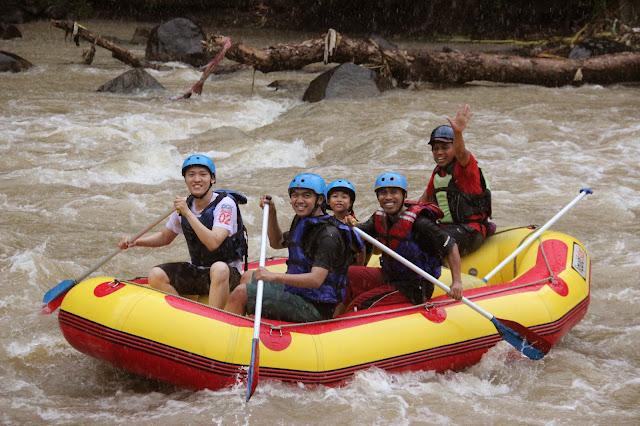 rafting ,sungai elo