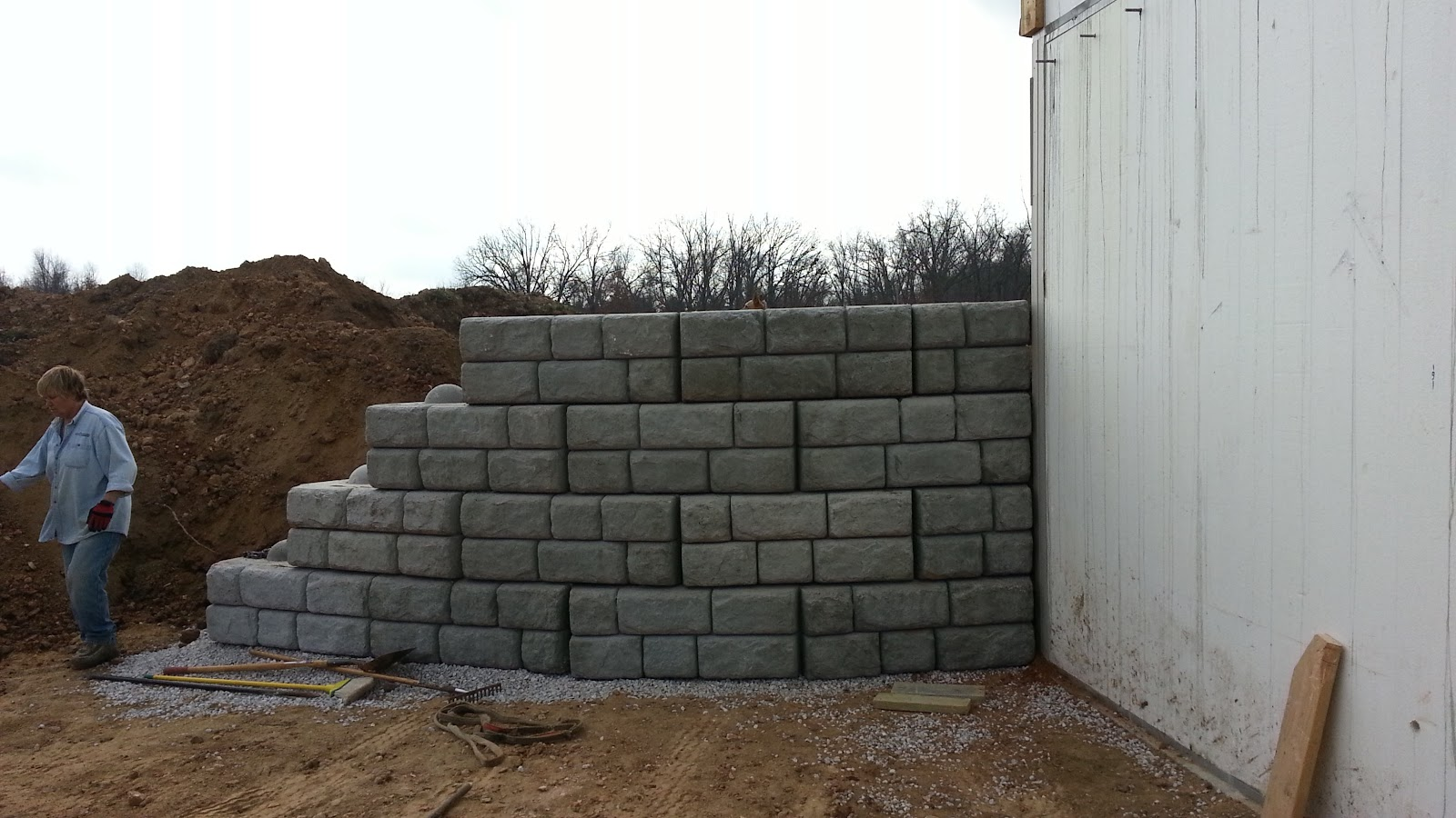 Retaining Wall Forms : Insulated concrete forms tf systems house pounds