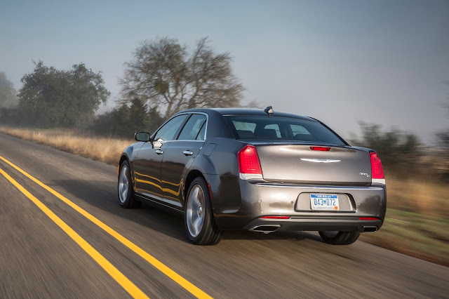 Rear 3/4 view of 2015 Chrysler 300C