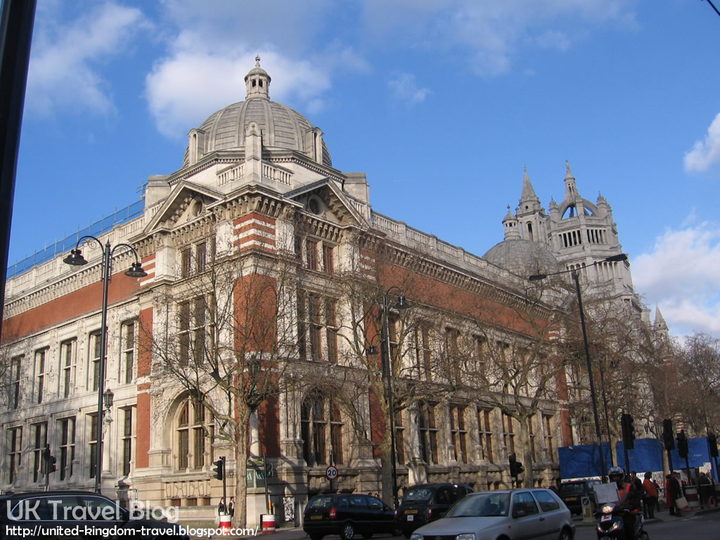 Major tourist landmarks in london the globe trotter for Victoria and albert museum london