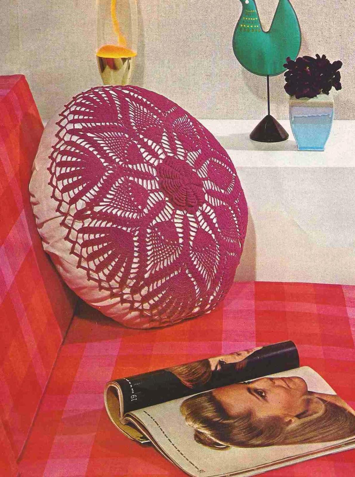 """Cojín """"Dalia"""" a Crochet o Ganchillo"""