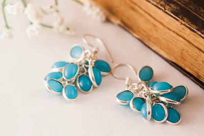 http://www.pinkbijou.com/index.php/pendientes-racimo-azul-turquesa/