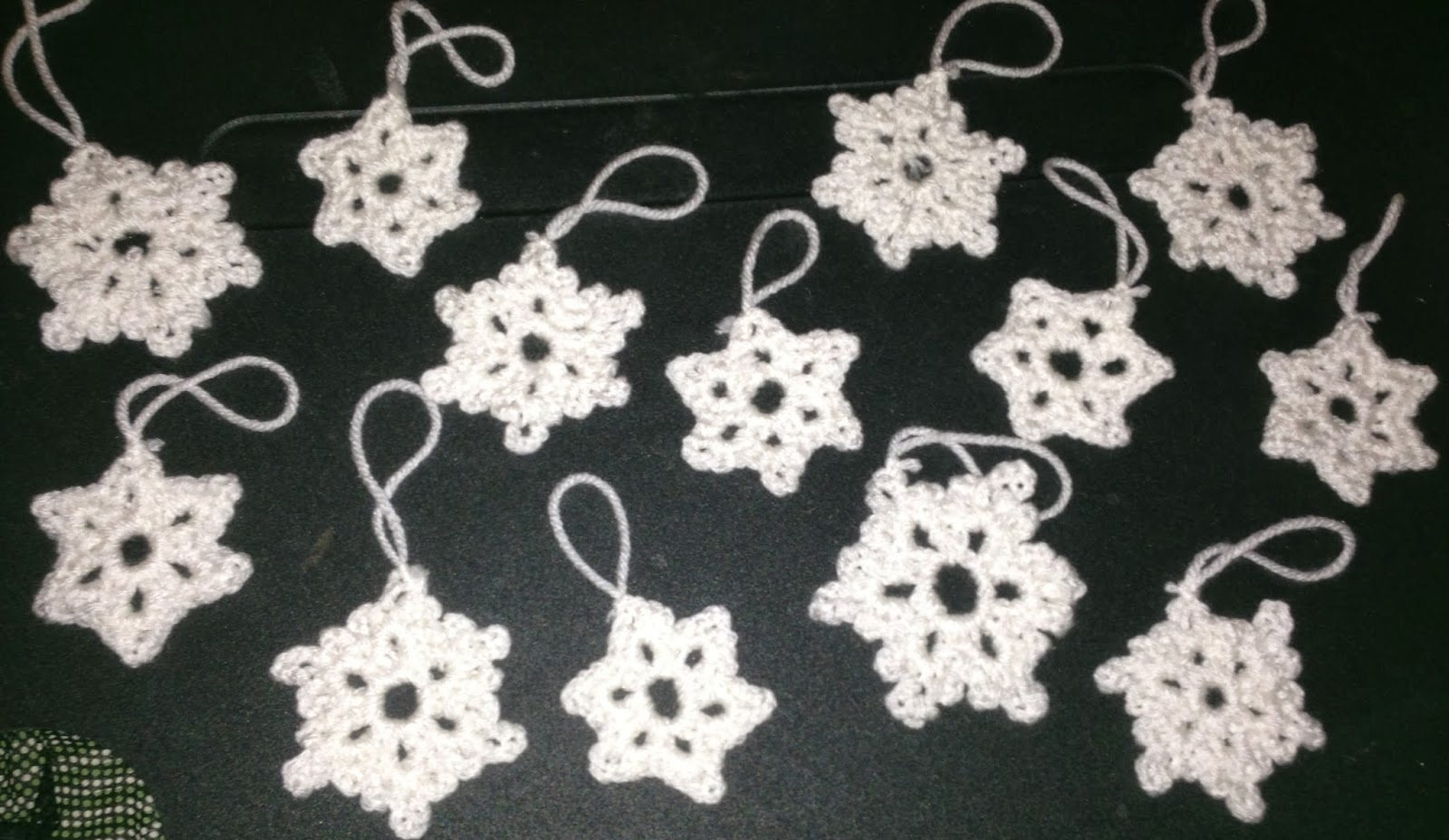 The Crafty German: Easy Ornaments 2: Crochet Snowflakes