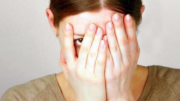 دليلك الصحي حول الإفرازات المهبلية , الافرازات المهبلية , اسباب الافرازات المهبلية