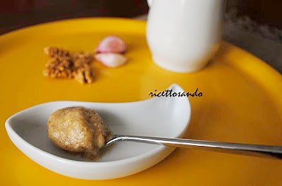 Salsa di noci ricetta originale ligure a base di noci e siero di latte