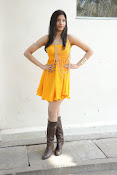 actress pragathi hot photos in yellow-thumbnail-11