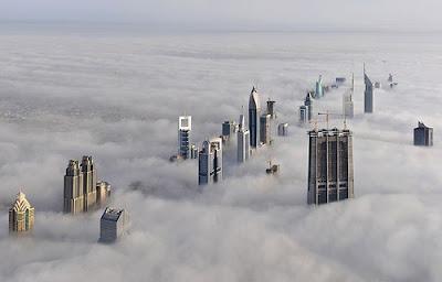 Ciudades conquistadas por la niebla
