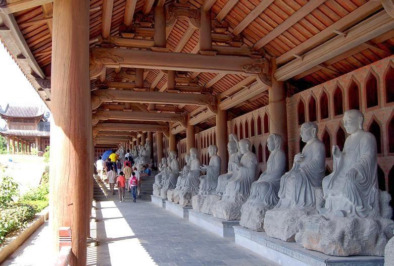 hành lang La Hán Chùa Bái Đính - Ninh Bình
