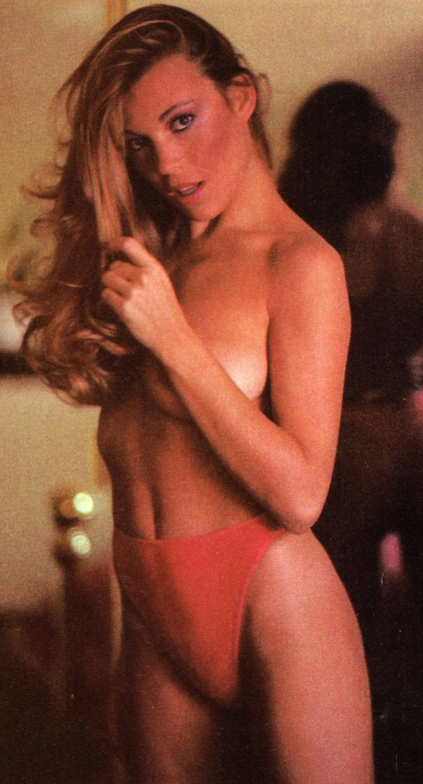 Vanna White Nude Photo Good miley cyrus eyebrows: vanna white (game show nudity)