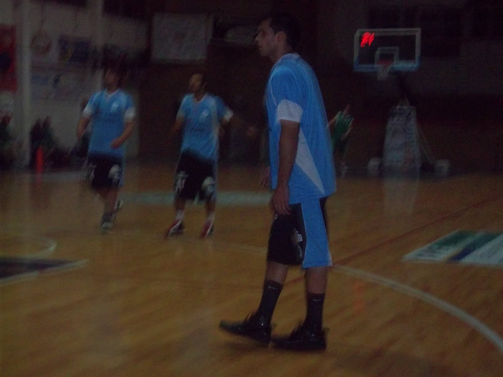 Deporte en freyre basquet vapuleado for Comedor 9 de julio freyre