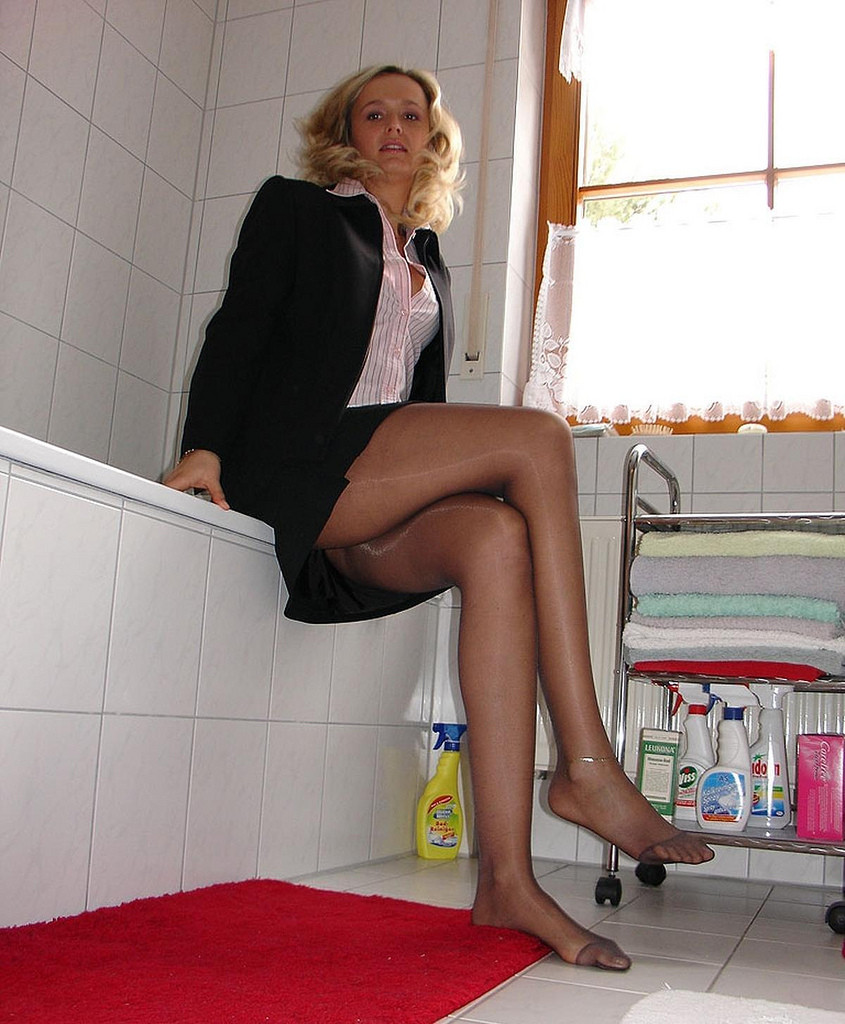 We are Pantyhose Fans: Daily update