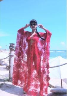 Kebaya Transparan Jupe Julia Perez Pantai Bali Artis Cantik Indonesia