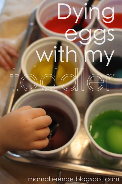 dying eggs with my toddler