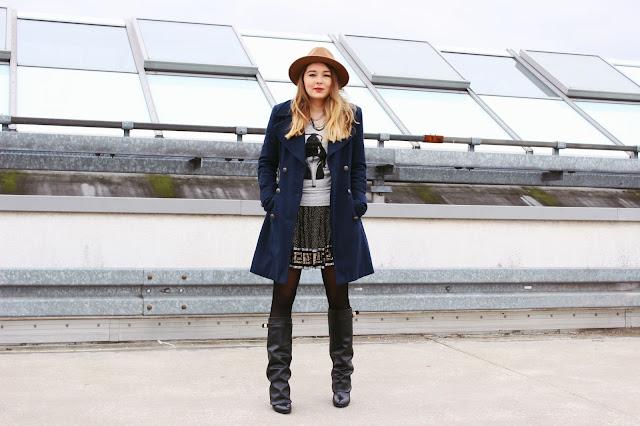 boots, black, foldover, kim kardashian, miranda kerr, givenchy boots, stiefel, blauer mantel, rebel couture, versace for H&M, pailettenrock, modeblogger, german fashionblog, hamburg, zara hu tmit kette,