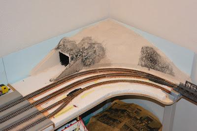Das letzte Modul mit seinem Gipsberg - noch ohne Tunnelportal