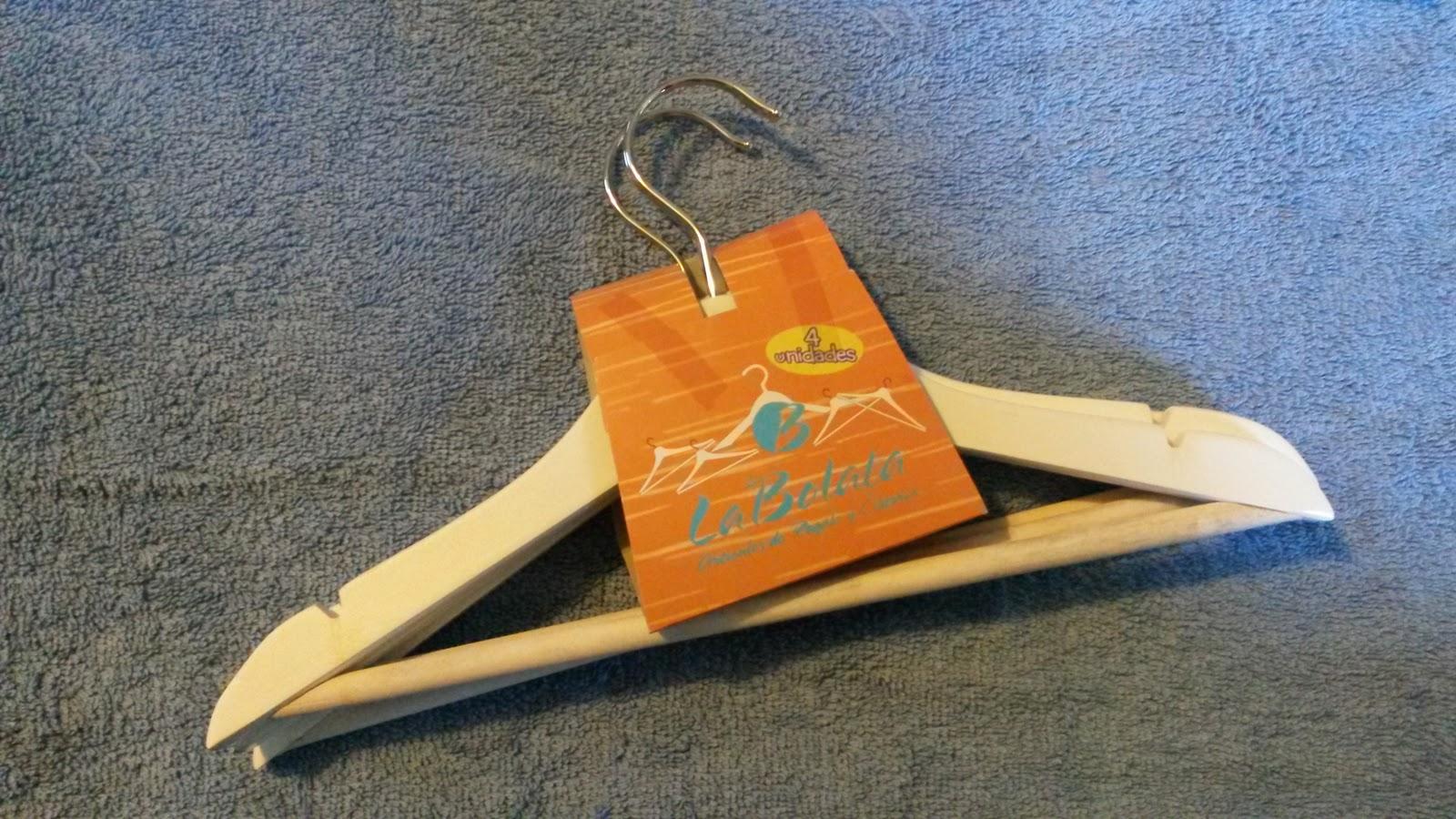 1001 manualidades f ciles decora las perchas de los mas - Perchas para ninos ...