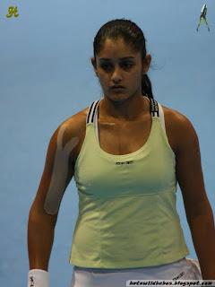 Sunita Rao sexy nipple impression