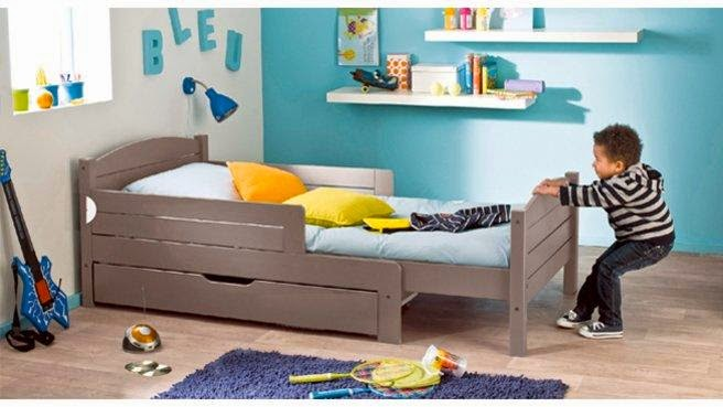 Kids bedroom ideas tips to decorate a room for two kids for Small room with two beds