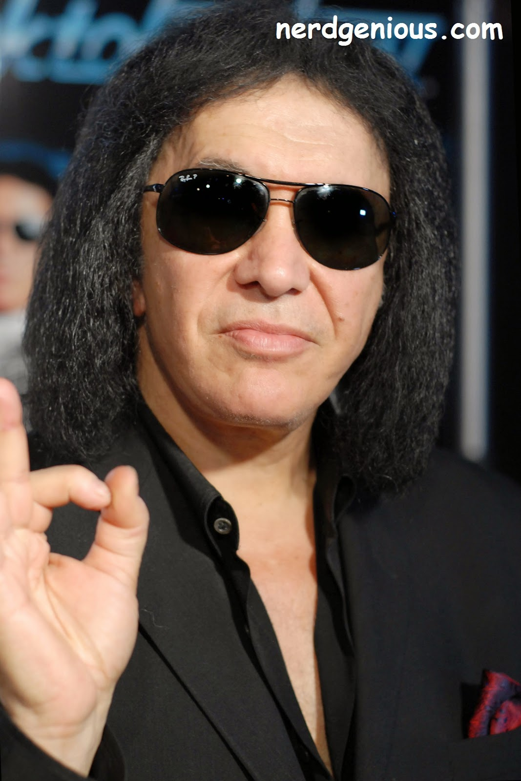 "Billionaire Kiss bassist Gene Simmons attacks the mentally ill and tells them ""fuck you and kill yourself"""