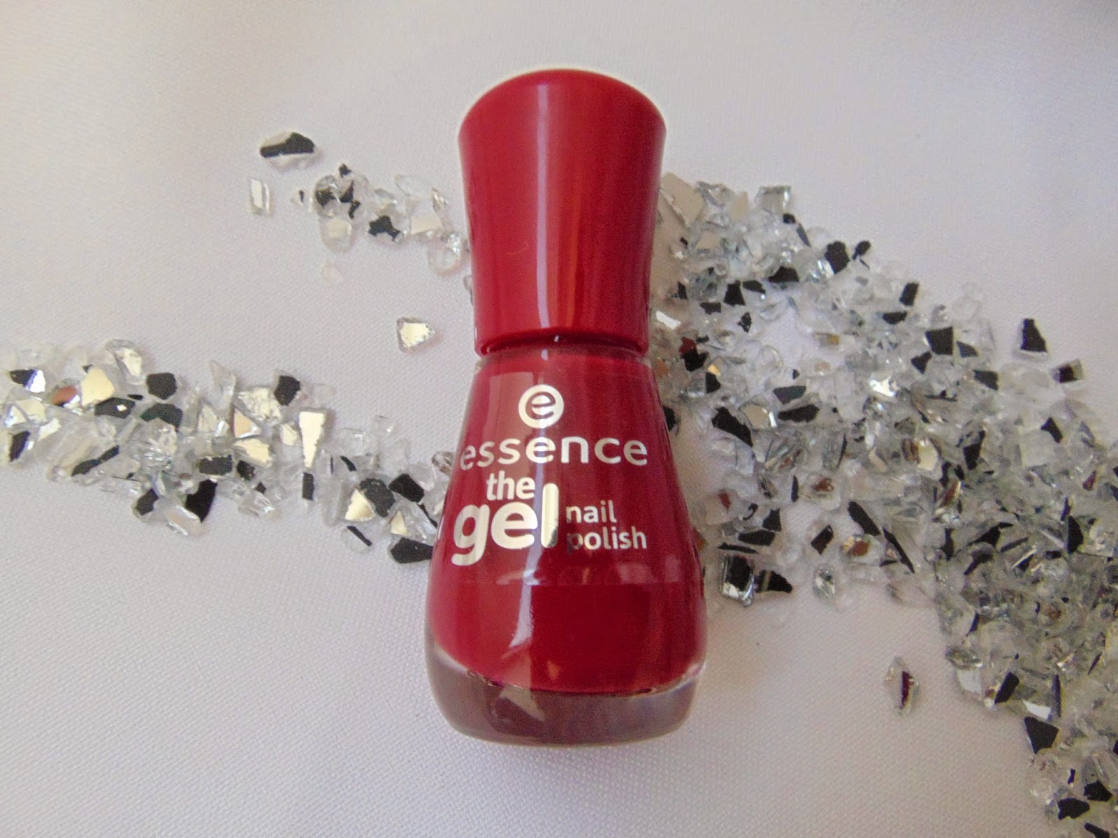 Essence the Gel Nail Polish - 10 true Love - www.annitschkasblog.de