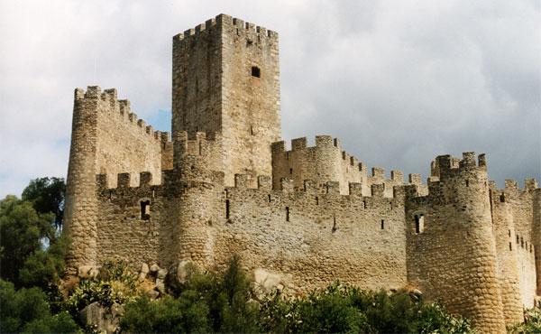 Glossario e dizionario illustrato di architettura e for Piani di casa castello medievale