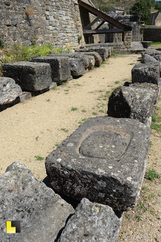 pierres trouvées sur les fouilles photo blachier pascal