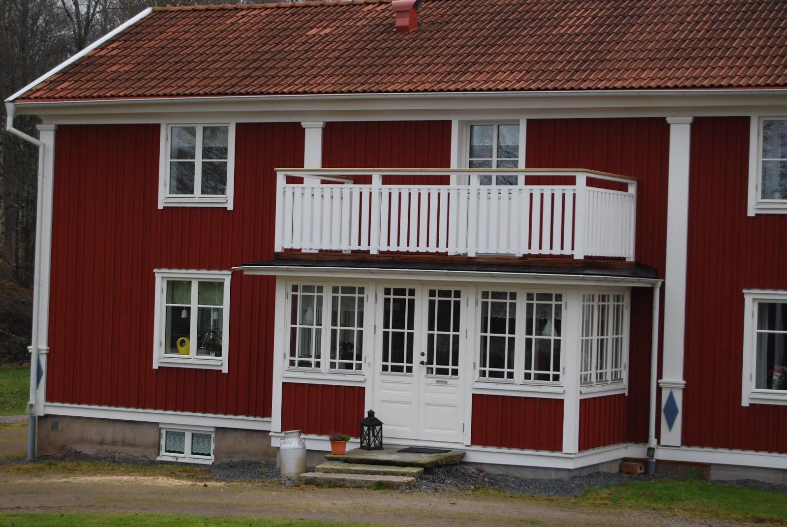 Uffes Bygg: Ny balkong! : balkongräcke trä : Inredning