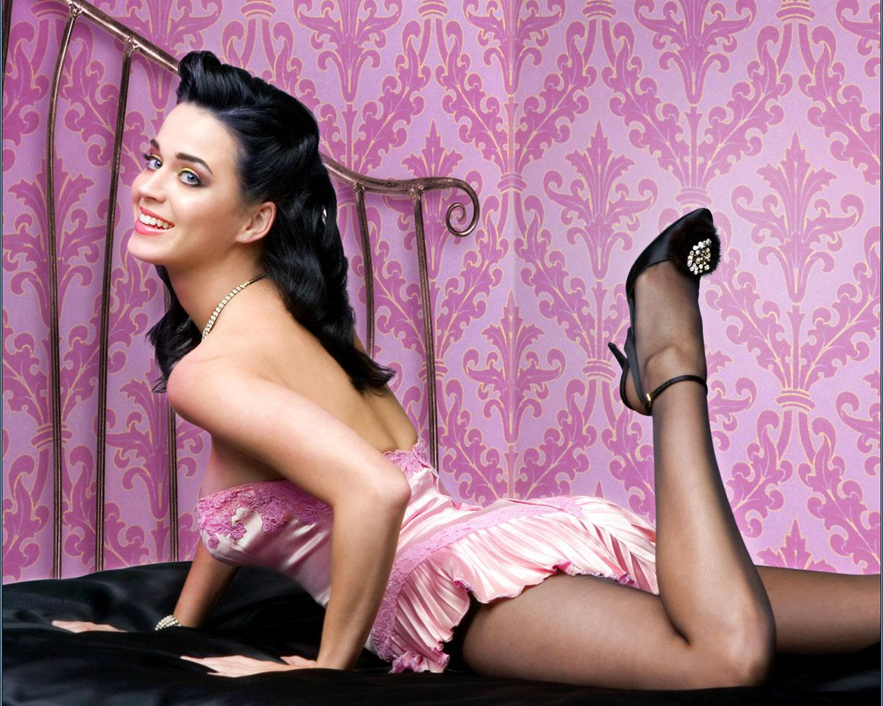 http://1.bp.blogspot.com/-nOZOxft3APw/TZZio7VXQcI/AAAAAAAAMQs/x8p-mbBgY5k/s1600/katy-perry-sexy-1.jpg