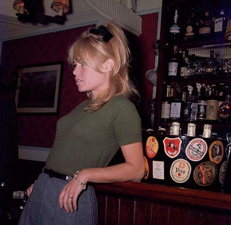Bardot movieloversreviews.filminspectors.com