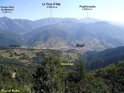 El Quer, Matallops i Bagà en primer terme, i al seu darrere la Serra del Moixeró, la Tosa d'Alp i el Puigllançada. Autor: Ricard Badia