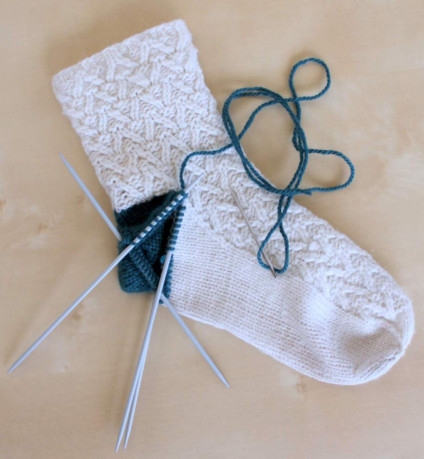 Knitting Pick Up Stitches Heel Flap : Hand Knitted Things: Knitted Sock Heel Repair