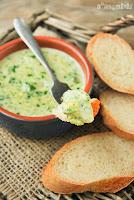 Dip de espinacas y alcachofas a los tres quesos