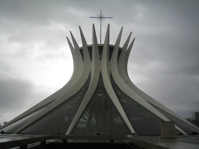 церковь в бразилиа
