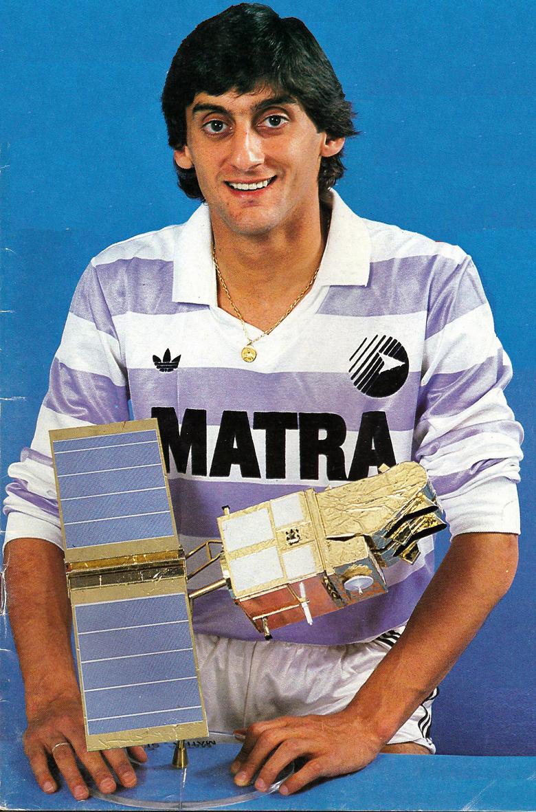 gombfocikepek Matra Racing 1988 89