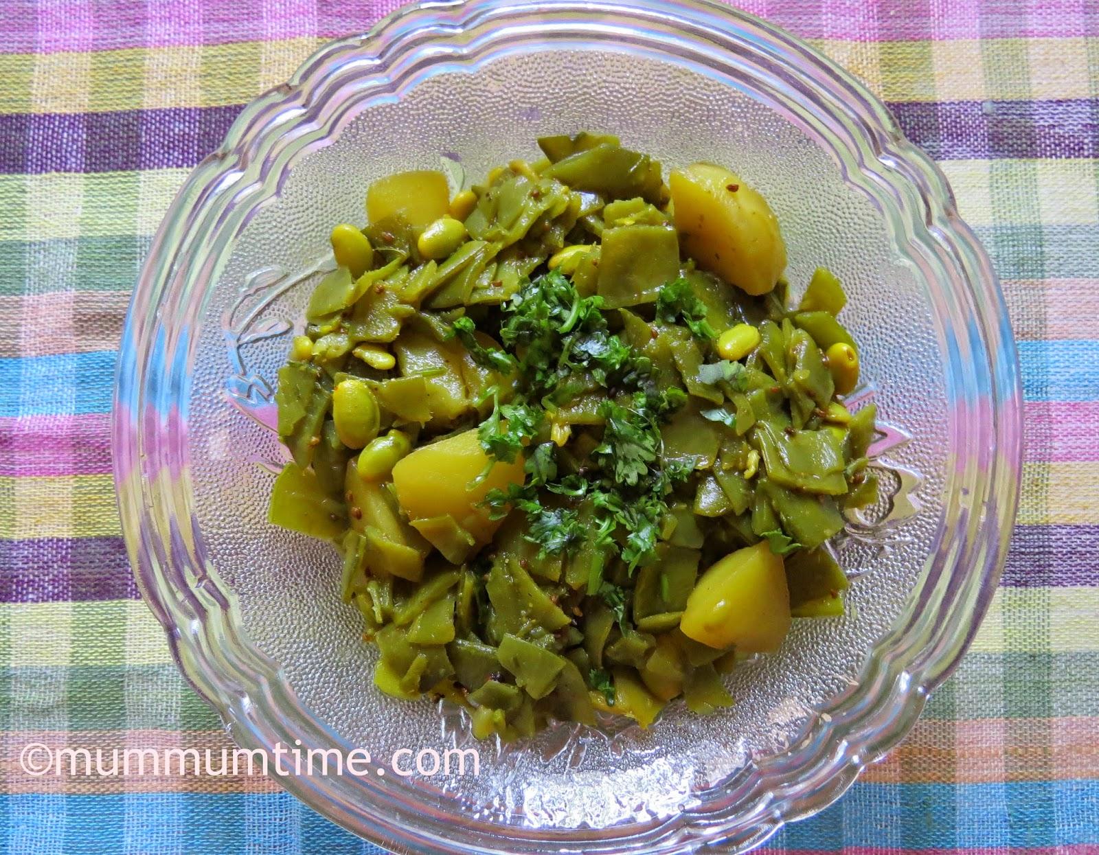 Papdi Aloo Sabzi (Flat Green Beans and Potato Sabzi)