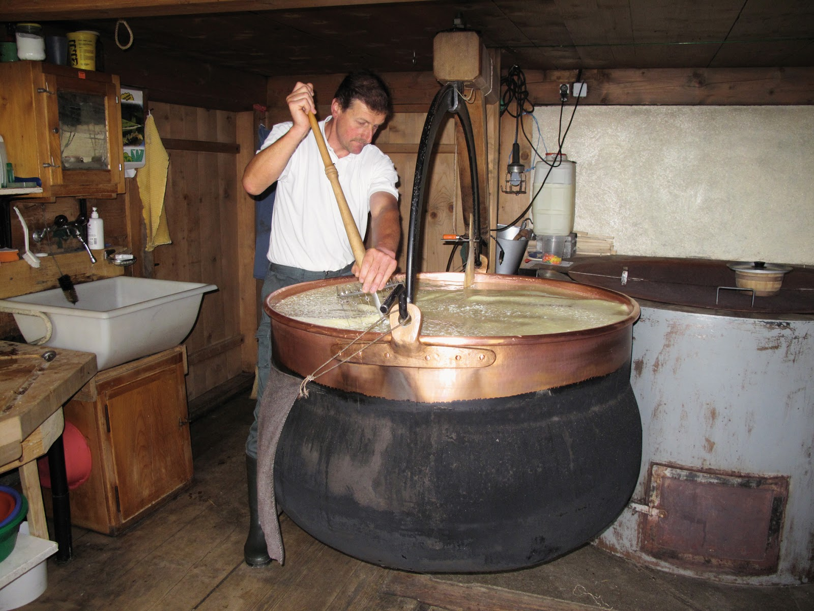 Cheese making in Gstaad. Photo: Gstaad Saanenland Tourismus.