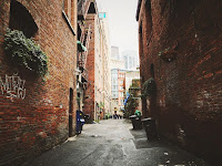 The Blues, Alley, Urban
