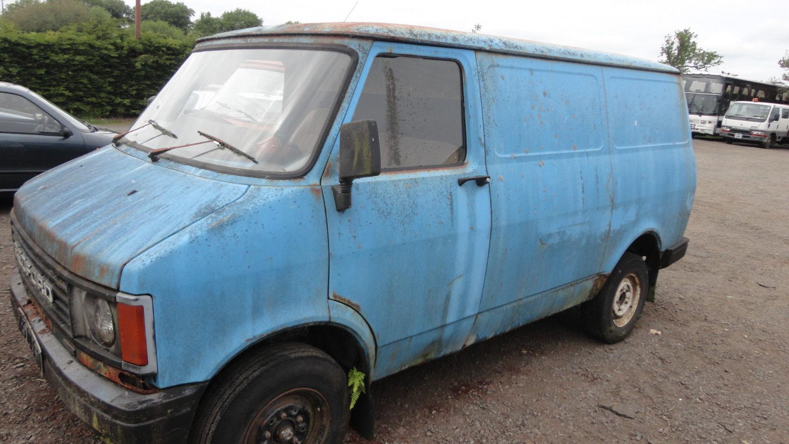 Bedford CF2 Van: Junho 2015