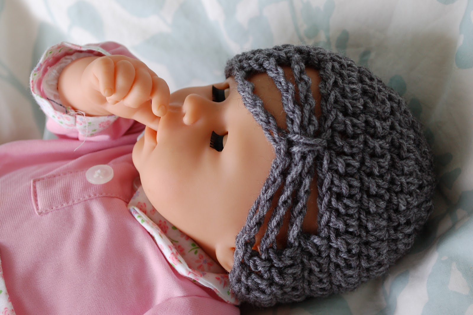 Free Crochet Butterfly Patterns For Hats : Alli Crafts: Free Pattern: Butterfly Hat - Premie