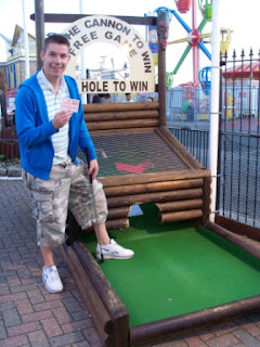 Richard shows off his Top Hole winnings