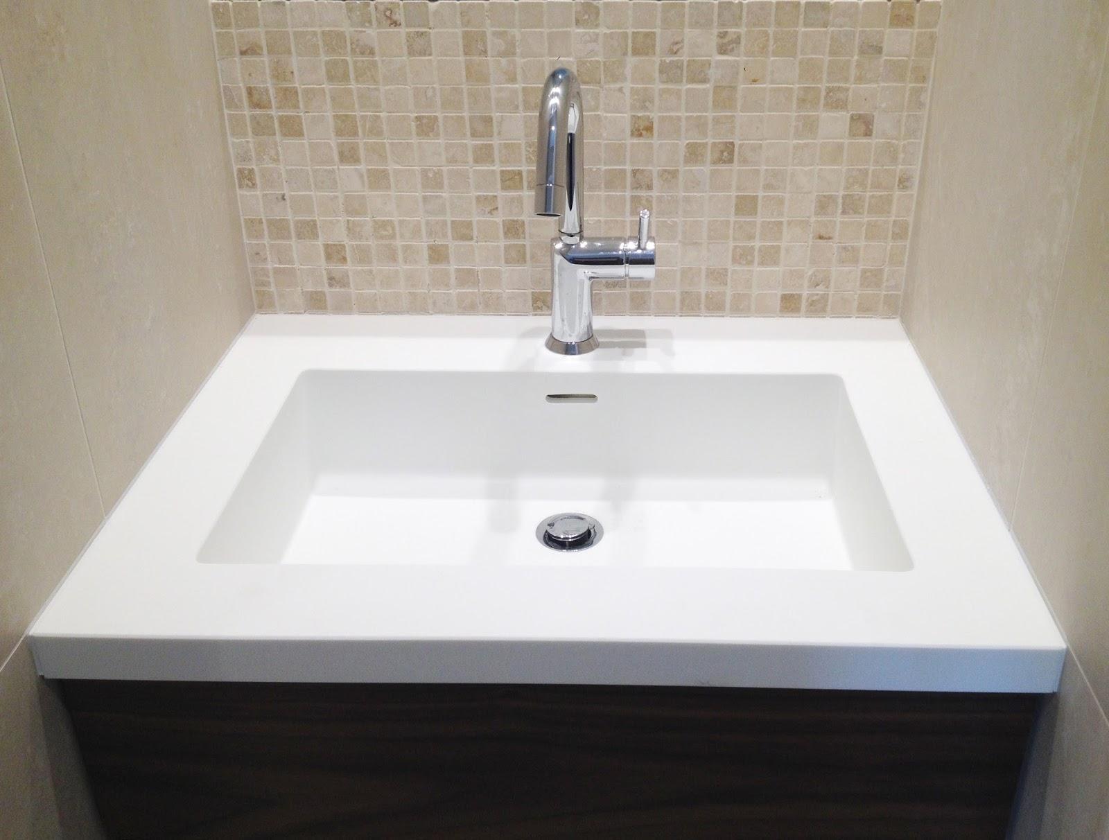 cr ation d 39 une salle de douche et pose d 39 un meuble lavabo dans la salle de bains nogent sur. Black Bedroom Furniture Sets. Home Design Ideas