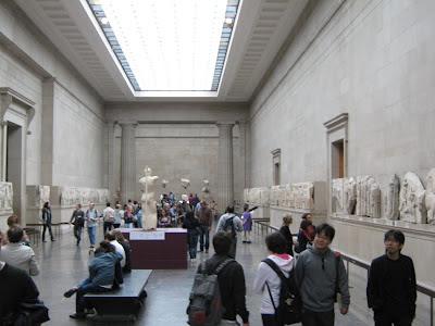 El departamento de antigüedades griegas y romanas guarda muchas famosas obras de arte.